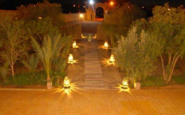 Отель Riad Ali Totmarroc Марокко, Мерзуга - отзывы, цены и фото номеров - забронировать отель Riad Ali Totmarroc онлайн вид на фасад