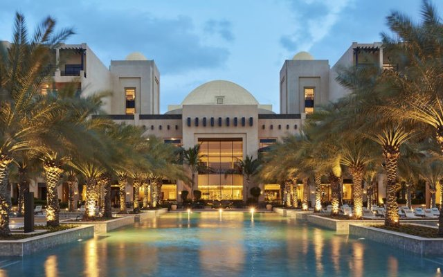 Отель Hilton Ras Al Khaimah Resort & Spa вид на фасад
