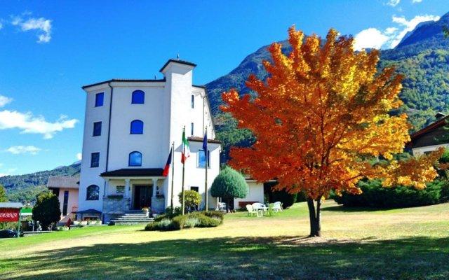 Отель Diana Италия, Поллейн - отзывы, цены и фото номеров - забронировать отель Diana онлайн вид на фасад