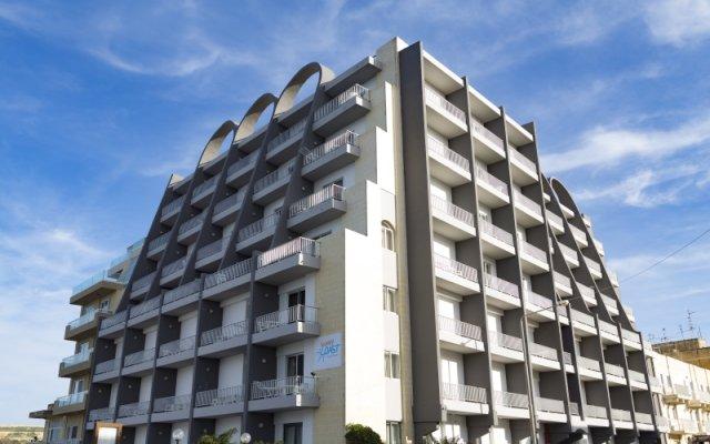 Отель Sunny Coast Resort Club Каура вид на фасад