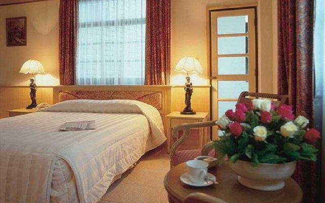 Отель Golden Cliff House комната для гостей