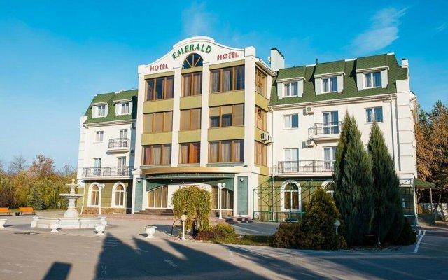 Гостиница Гостиничный Комплекс Эмеральд в Тольятти 4 отзыва об отеле, цены и фото номеров - забронировать гостиницу Гостиничный Комплекс Эмеральд онлайн вид на фасад