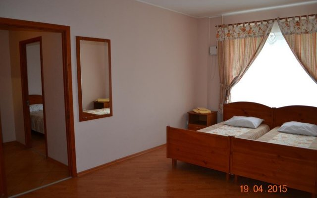 Гостиница Мини-Отель Гнездо в Пскове 4 отзыва об отеле, цены и фото номеров - забронировать гостиницу Мини-Отель Гнездо онлайн Псков комната для гостей