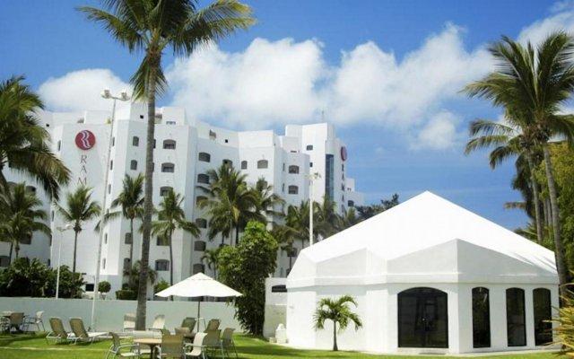 Отель Ramada Resort Mazatlan вид на фасад