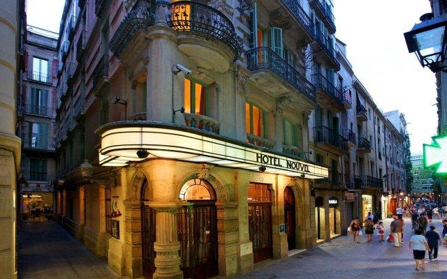 Отель Nouvel Барселона вид на фасад