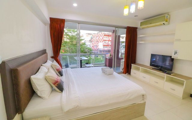 Апартаменты Bangkok Two Bedroom Apartment Бангкок комната для гостей