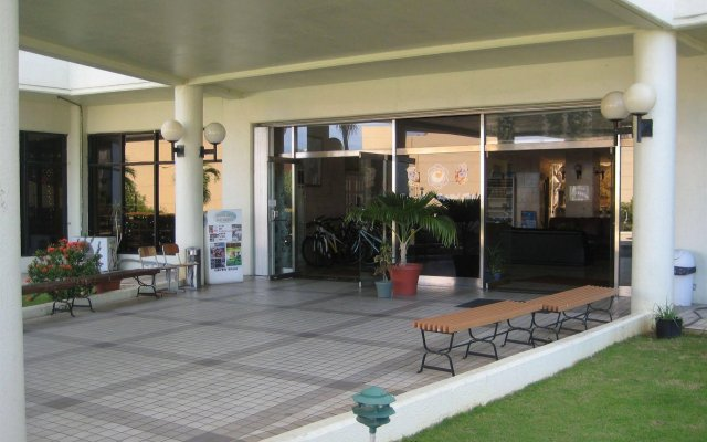Отель Tumon Bay Capital Hotel США, Тамунинг - 8 отзывов об отеле, цены и фото номеров - забронировать отель Tumon Bay Capital Hotel онлайн вид на фасад