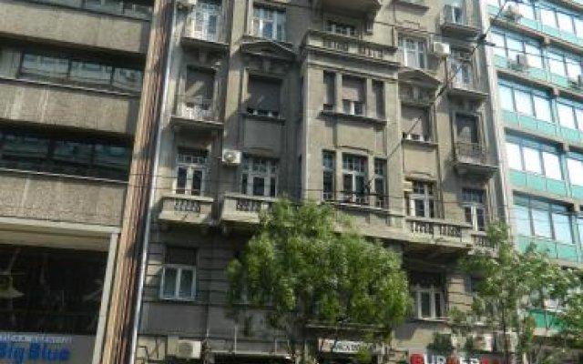 Authentic Belgrade Centre Hostel вид на фасад