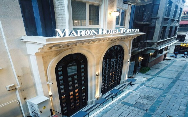 Maroon Tomtom