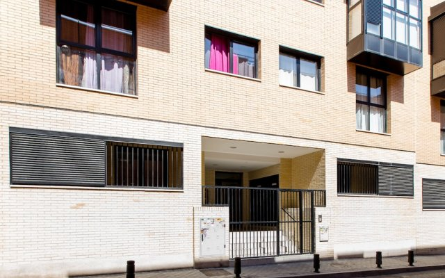 Отель Apartamento La Gata Madrid вид на фасад