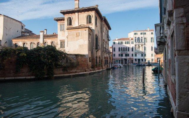 Отель Albergo Casa Peron Италия, Венеция - отзывы, цены и фото номеров - забронировать отель Albergo Casa Peron онлайн вид на фасад