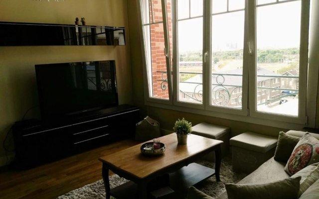 Апартаменты Apartment With 2 Bedrooms in Saint-denis, With Wonderful City View, Ba комната для гостей