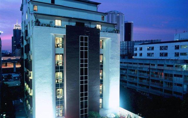 Отель FuramaXclusive Sukhumvit вид на фасад