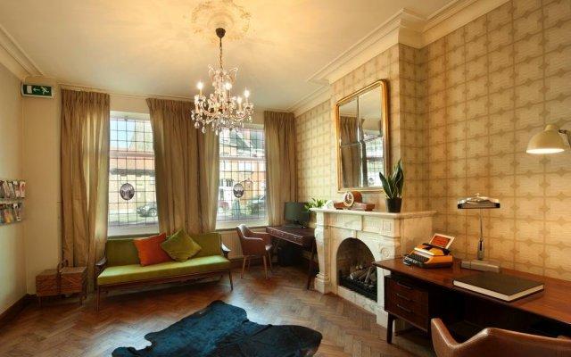 Отель Central Bruges B&B комната для гостей