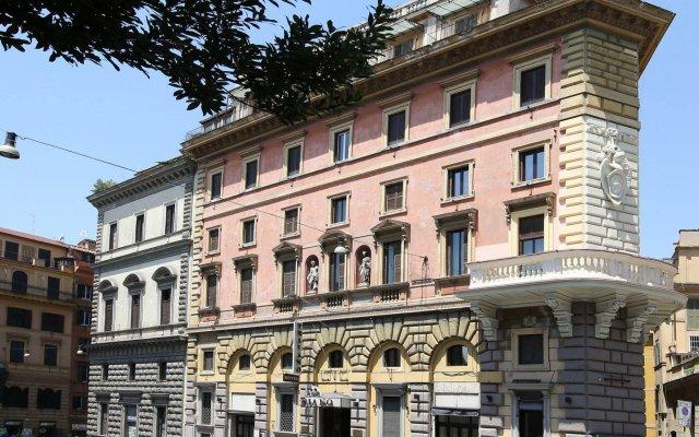 Traiano Hotel вид на фасад