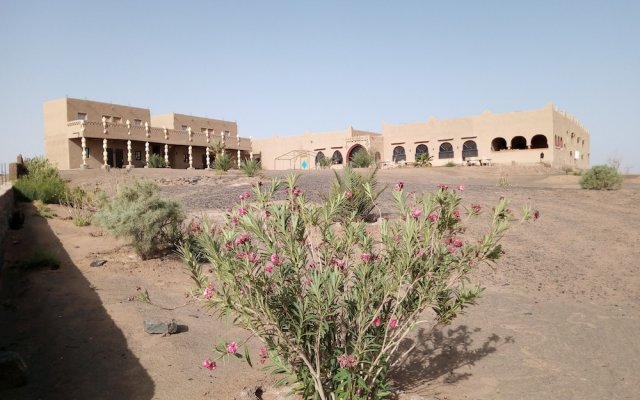 Отель Takojt Марокко, Мерзуга - отзывы, цены и фото номеров - забронировать отель Takojt онлайн вид на фасад