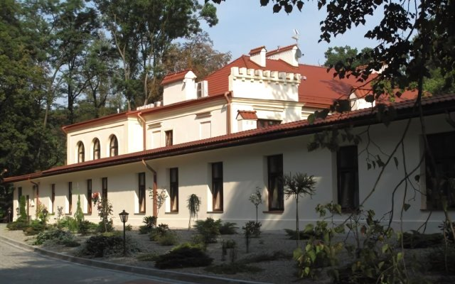 Отель Zamek Dubiecko вид на фасад