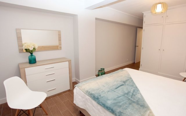 Апартаменты Apartments 27 Mae de Deus by Green Vacations Понта-Делгада комната для гостей