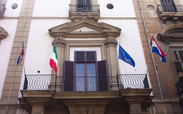 Hotel Orientale Палермо вид на фасад