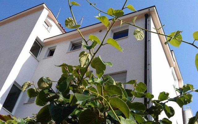 Отель Meje вид на фасад