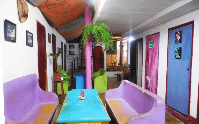 Отель Xaman Eco-Hostel Мексика, Плая-дель-Кармен - отзывы, цены и фото номеров - забронировать отель Xaman Eco-Hostel онлайн интерьер отеля