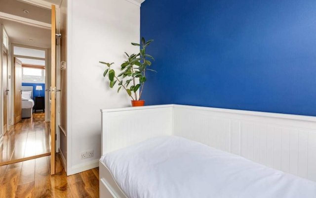 Chic 3bd House W/Terrace in Brixton-Victoria Line
