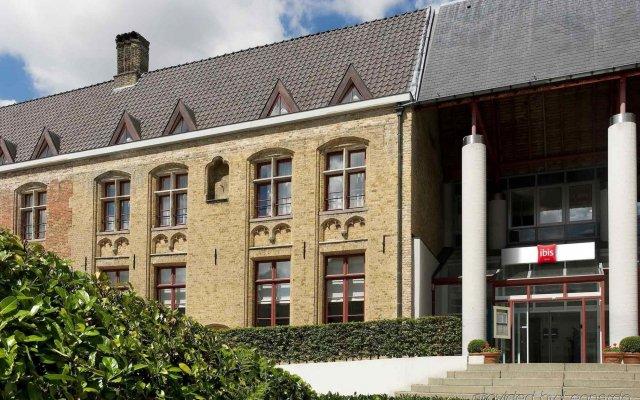 Отель Ibis Brugge Centrum Брюгге вид на фасад