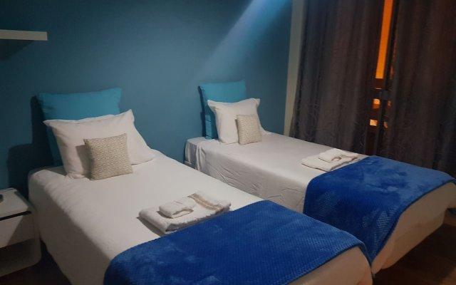 Отель Bright Spacious Lisbon комната для гостей