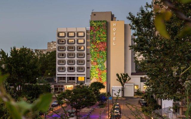 Hotel des Congres вид на фасад