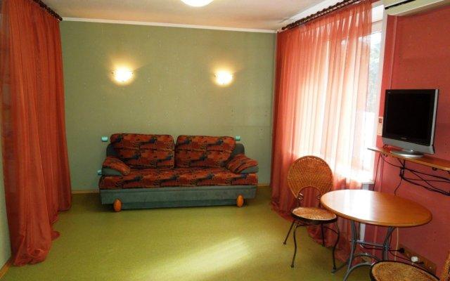 Гостиница Na Polosukhina 1 Apartment в Москве отзывы, цены и фото номеров - забронировать гостиницу Na Polosukhina 1 Apartment онлайн Москва комната для гостей