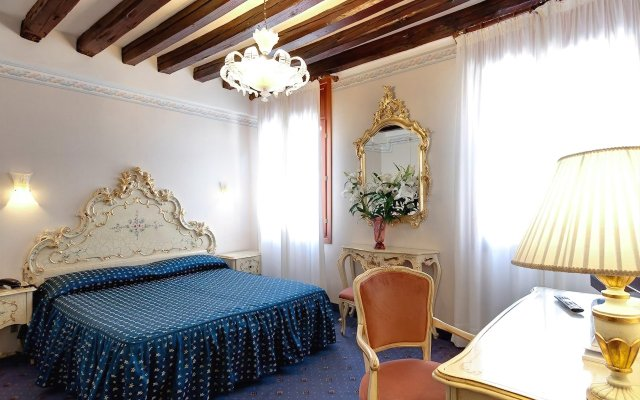 Hotel Diana (ex. Comfort Hotel Diana) Венеция комната для гостей