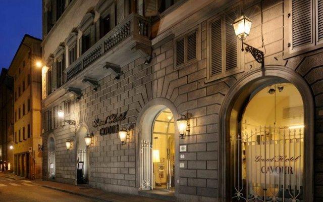 Отель Grand Hotel Cavour Италия, Флоренция - отзывы, цены и фото номеров - забронировать отель Grand Hotel Cavour онлайн вид на фасад