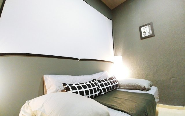 Отель Luxury Flat Legazpi Испания, Мадрид - отзывы, цены и фото номеров - забронировать отель Luxury Flat Legazpi онлайн комната для гостей