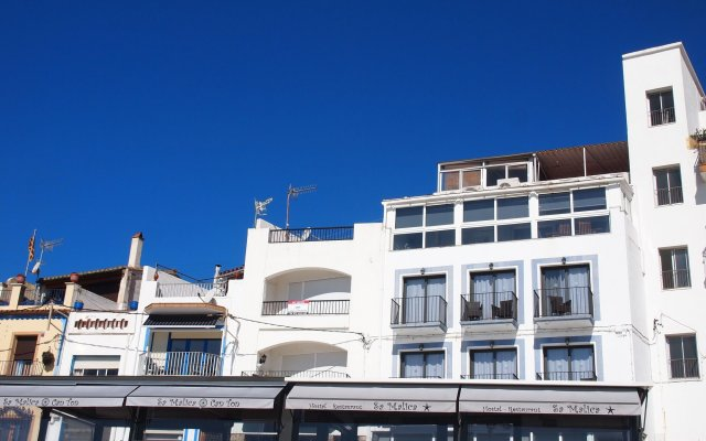 Отель Hostal Restaurant Sa Malica Бланес вид на фасад