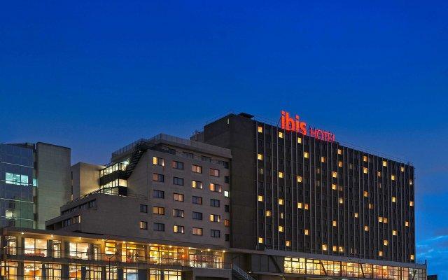 Отель ibis Paris 17 Clichy-Batignolles - formerly Berthier Франция, Париж - 10 отзывов об отеле, цены и фото номеров - забронировать отель ibis Paris 17 Clichy-Batignolles - formerly Berthier онлайн вид на фасад