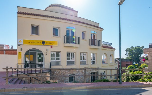 Отель Apartaments AR Monjardí Испания, Льорет-де-Мар - отзывы, цены и фото номеров - забронировать отель Apartaments AR Monjardí онлайн вид на фасад
