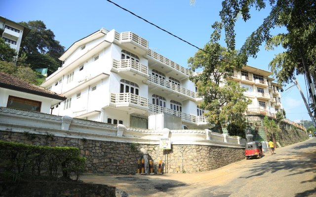 Отель Castelo Kandy Канди вид на фасад