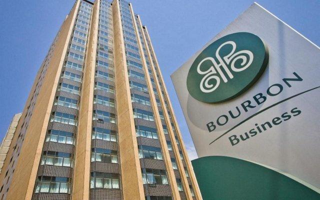 Bourbon Alphaville Business Hotel вид на фасад