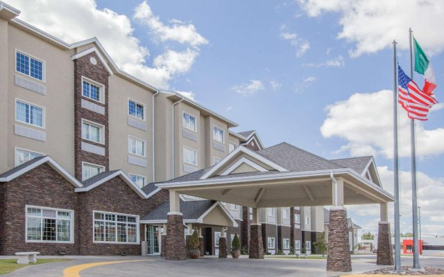Отель Microtel Inn & Suites by Wyndham Cuauhtemoc вид на фасад