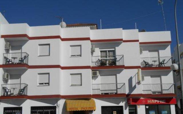 Отель Hostal Paco Pepe Испания, Кониль-де-ла-Фронтера - отзывы, цены и фото номеров - забронировать отель Hostal Paco Pepe онлайн вид на фасад