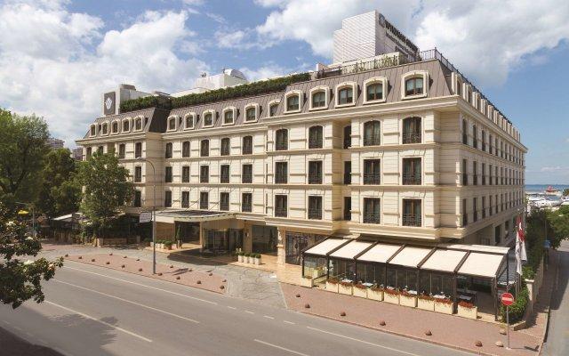Отель Wyndham Grand Istanbul Kalamis Marina вид на фасад