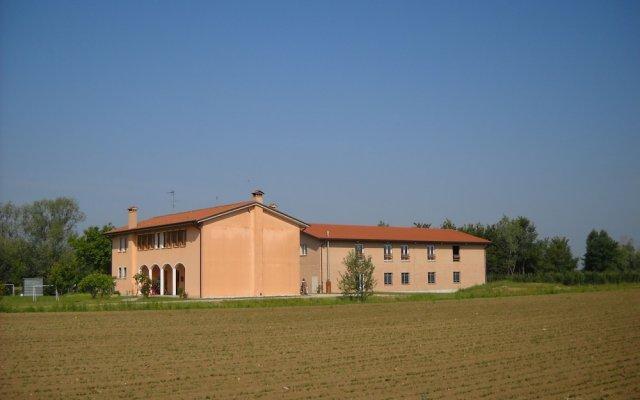 Отель Agriturismo Campi di Grano Ронкаде вид на фасад