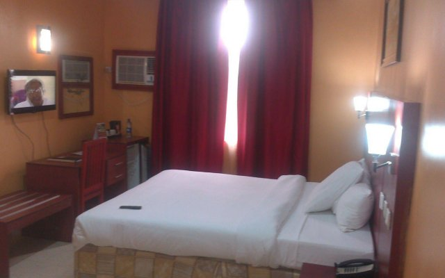 Kayriott Hotel & Suites комната для гостей