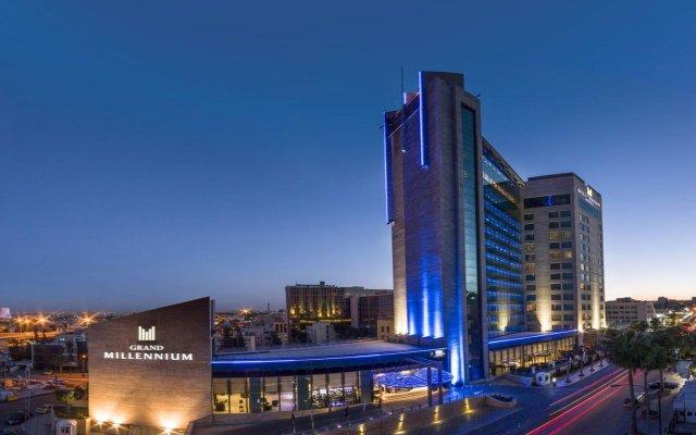 Отель Grand Millennium Amman вид на фасад