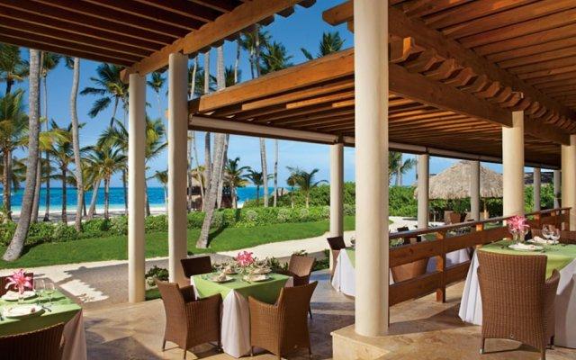 Отель Secrets Royal Beach Punta Cana Доминикана, Пунта Кана - отзывы, цены и фото номеров - забронировать отель Secrets Royal Beach Punta Cana онлайн вид на фасад