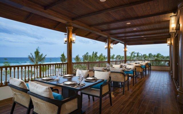 Отель Radisson Blu Resort Cam Ranh Вьетнам, Кам Лам - отзывы, цены и фото номеров - забронировать отель Radisson Blu Resort Cam Ranh онлайн вид на фасад