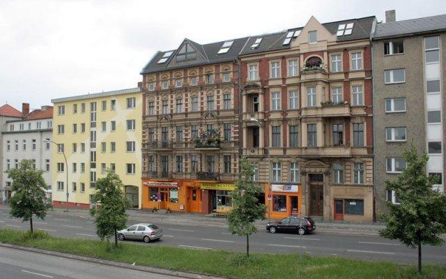 Отель Sleepcheaphostel Германия, Берлин - отзывы, цены и фото номеров - забронировать отель Sleepcheaphostel онлайн вид на фасад