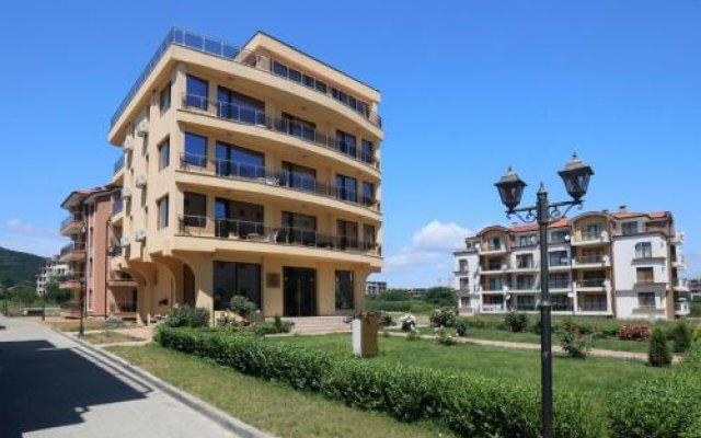Отель Family Hotel Allegra Болгария, Аврен - отзывы, цены и фото номеров - забронировать отель Family Hotel Allegra онлайн вид на фасад