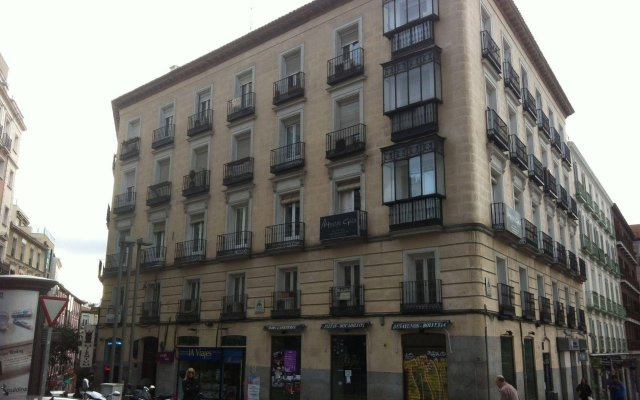 Отель Hostal Gala Madrid вид на фасад