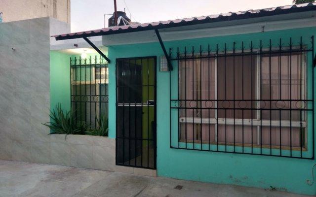 Отель Hostal Chobyhouse - Hostel Мексика, Канкун - отзывы, цены и фото номеров - забронировать отель Hostal Chobyhouse - Hostel онлайн вид на фасад
